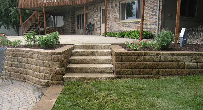 Steps landscaping in st michael greenwood monticello for Patio and retaining wall ideas