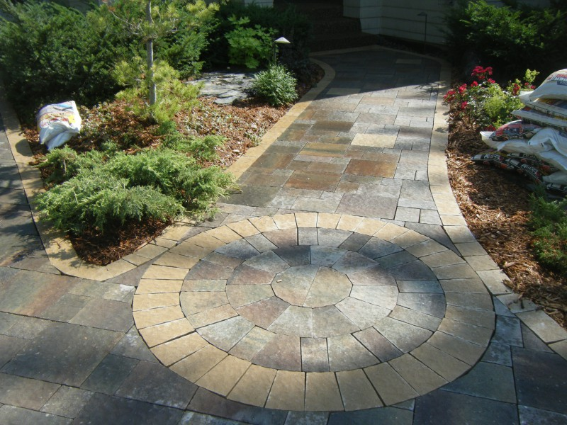 Walkways - Sidewalk pavers ideas ...
